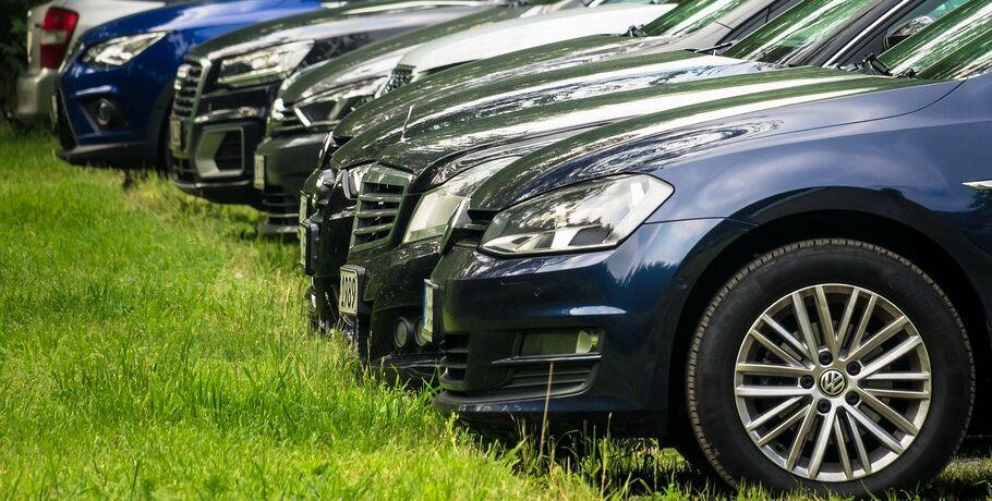 Большинство омичей тратят на машину до 10 000 рублей в месяц