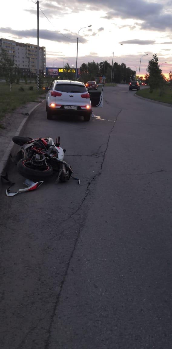 В Омске на подъезде к «Меге» насмерть разбился мотоциклист #Омск #Общество #Сегодня