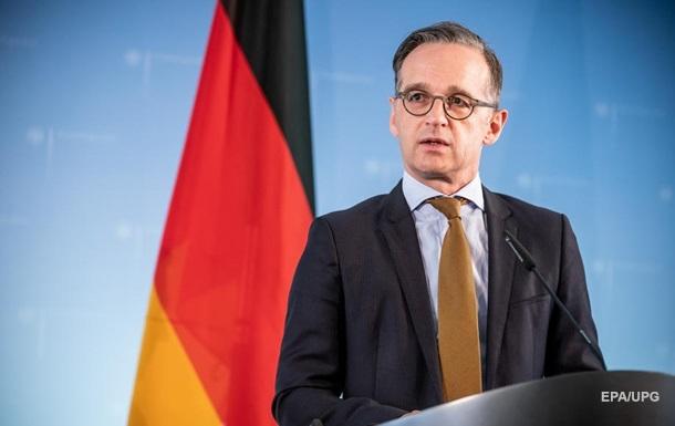 """В Германии назвали """"сложными"""" отношения с США"""