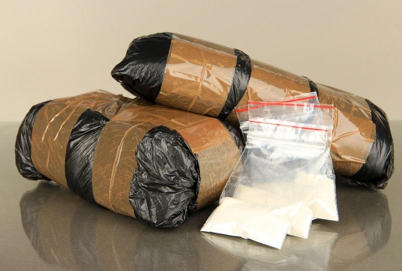 Омич возил в рюкзаке 5 кг наркотиков: его посадили надолго #Омск #Общество #Сегодня
