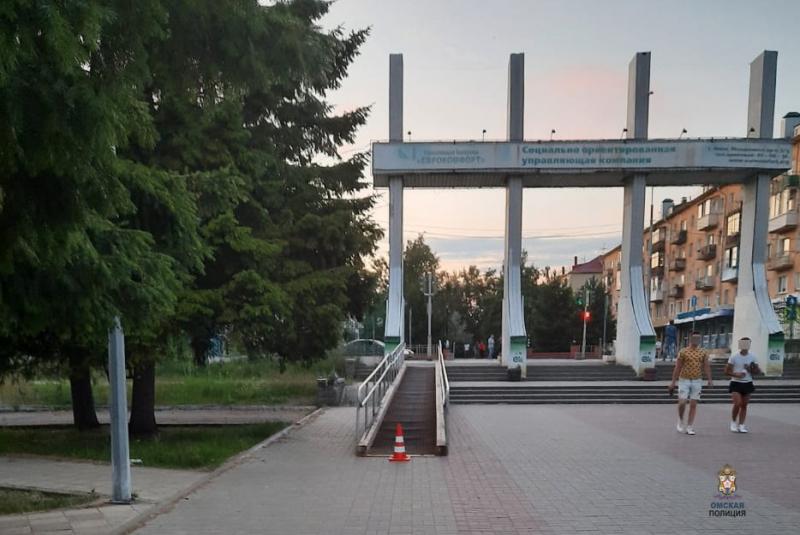 В Омске подросток на велосипеде жестко сбил 8-летнюю девочку #Новости #Общество #Омск