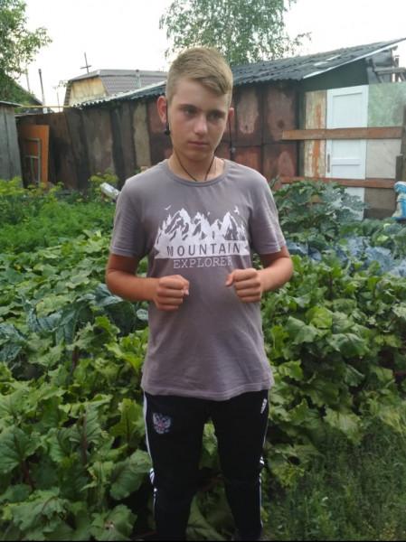 В Омске ищут пропавшего малолетнего «охранника» с тату в виде змеи #Омск #Общество #Сегодня