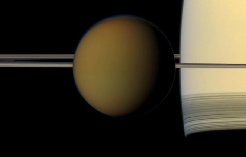 Титан удаляется от Сатурна быстрее, чем считалось ранее