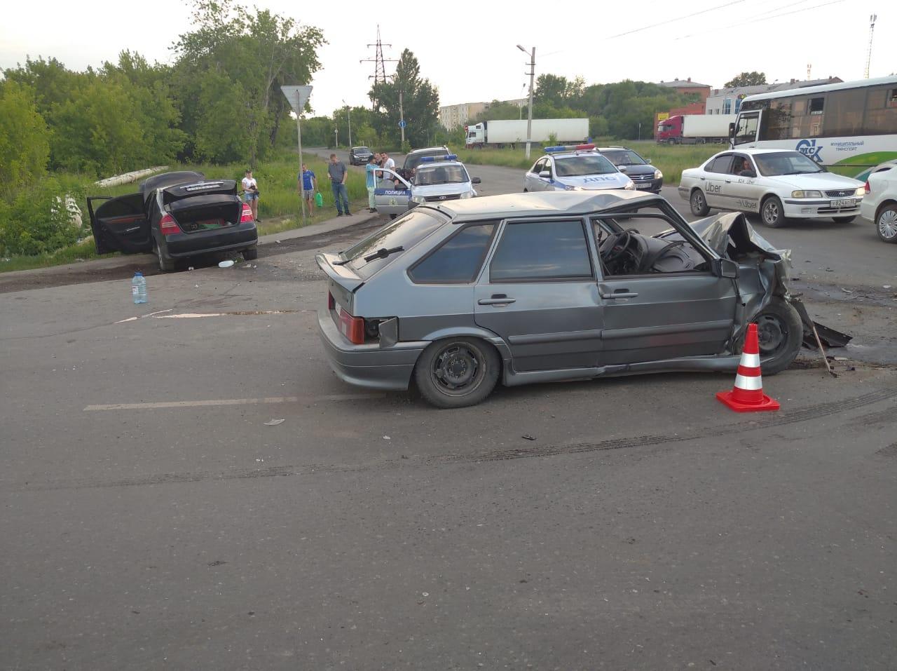 В ДТП на Левобережье Омска пострадали 4 человека #Новости #Общество #Омск