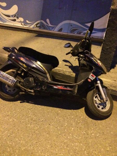 Молодой омич выпивал с другом, а потом решил доехать до дома на чужом скутере #Новости #Общество #Омск
