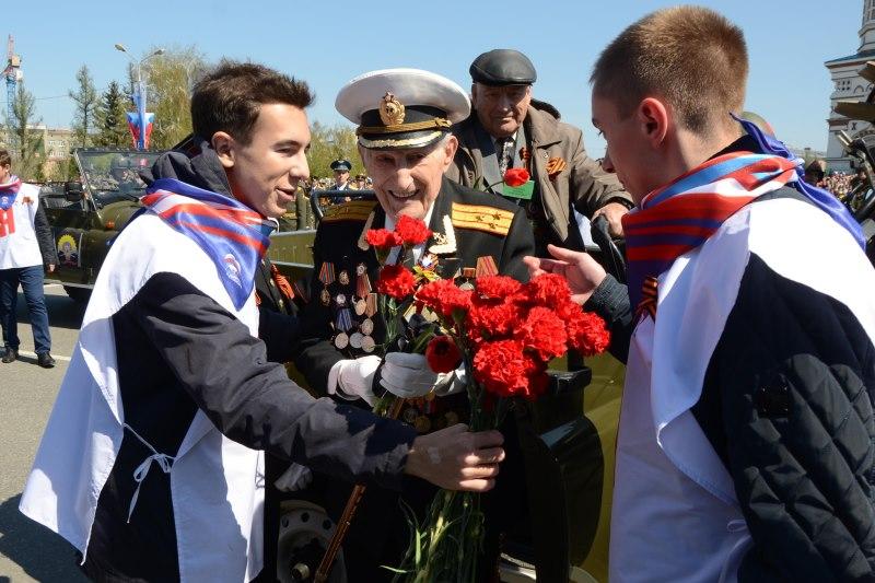 Парад Победы в Омске пройдет с ветеранами в уазиках #Новости #Общество #Омск