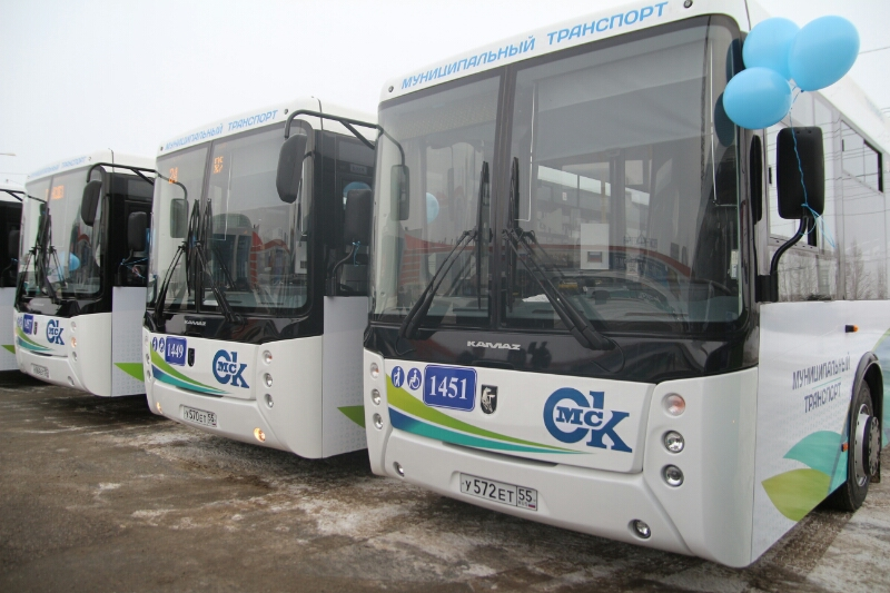 После салюта омичей будут развозить всего 34 автобуса и троллейбуса #Омск #Общество #Сегодня
