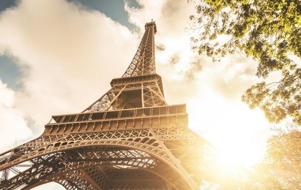 Эйфелева башня возобновила работу