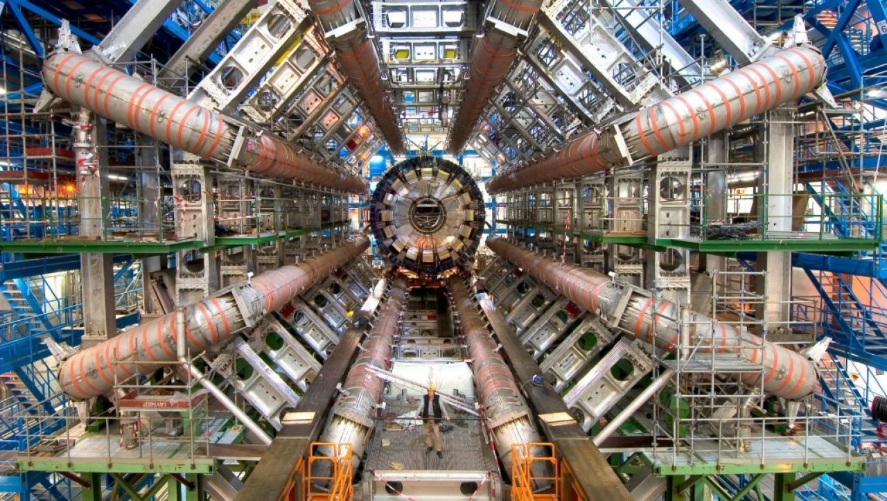 ЦЕРН хочет построить ускоритель частиц длиной 100 км!