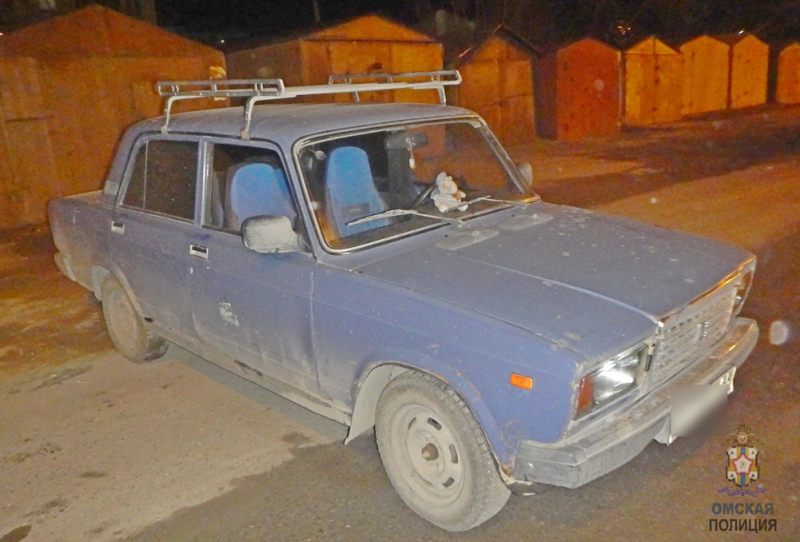 Омский пенсионер чуть не лишился машины, оставив ключи в замке зажигания #Новости #Общество #Омск