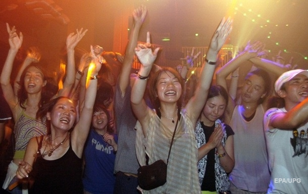 В Токио владельцам клубов будут платить, чтобы те не работали