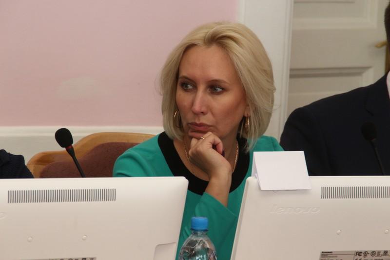 Депутата Омского горсовета чуть не прибило деревом #Омск #Общество #Сегодня