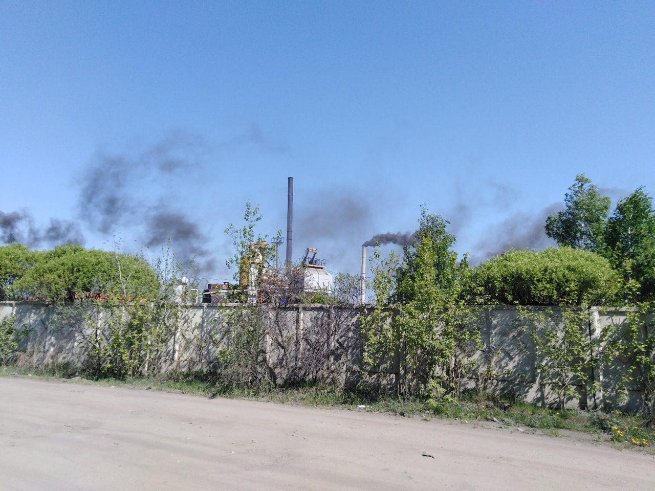 Муниципальный асфальтовый завод в Омске оштрафовали за выбросы #Новости #Общество #Омск
