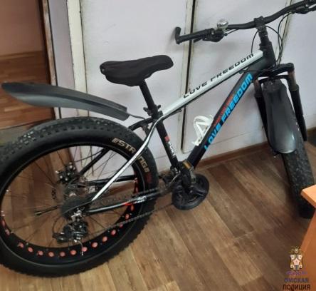 Молодая омичка одолжила велосипед однокласснику и больше его не увидела #Омск #Общество #Сегодня