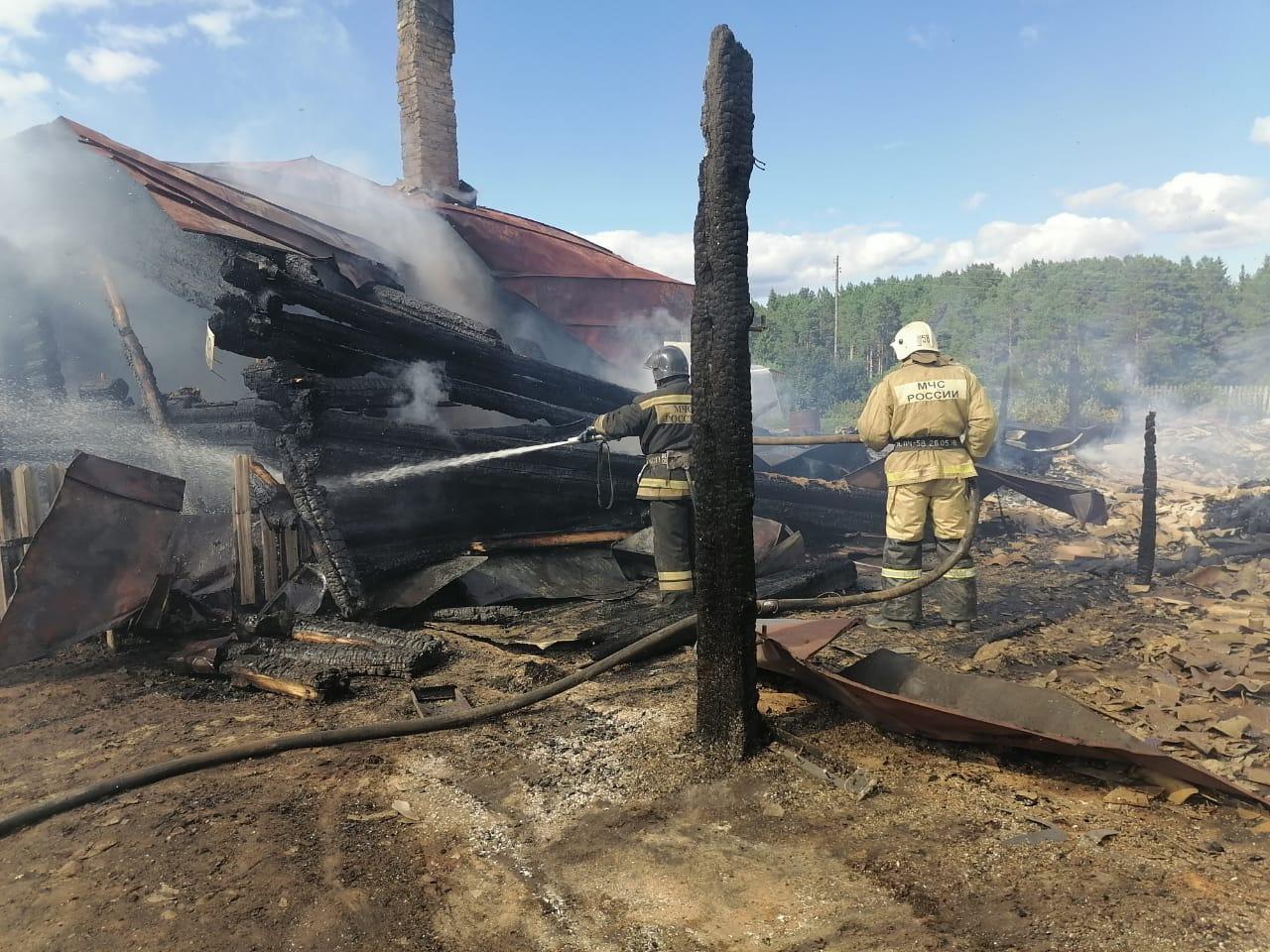 В Тарском районе пожар уничтожил три дома #Новости #Общество #Омск