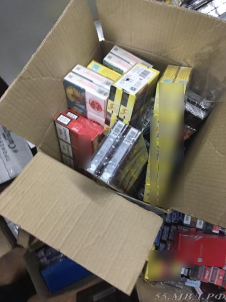 Омичку осудили за 42 тысячи пачек сигарет и 3 тысячи бутылок алкоголя #Омск #Общество #Сегодня