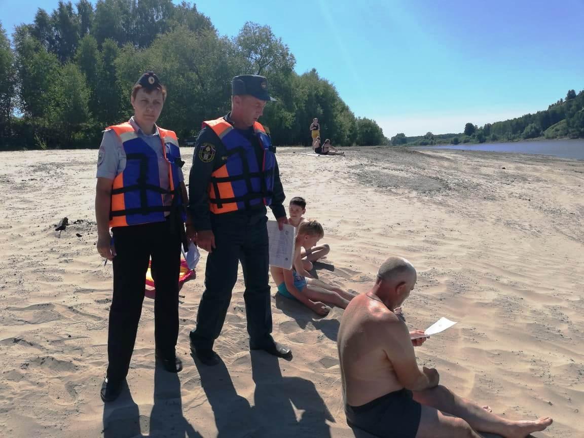 Омичам грозят штрафы за детей, которые купаются без присмотра #Омск #Общество #Сегодня