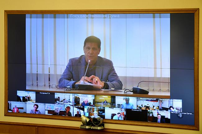 Омский губернатор рассказал, почему молодежь уезжает из региона