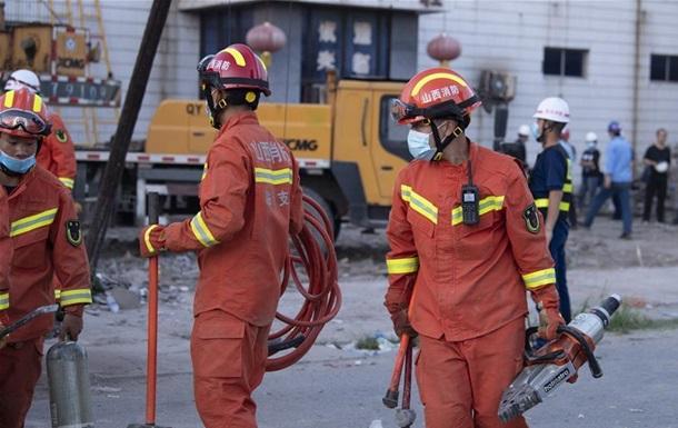 В Китае при обрушении ресторана погибли 17 человек