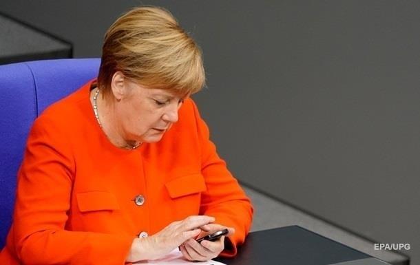 Меркель отреагировала на отравление Навального