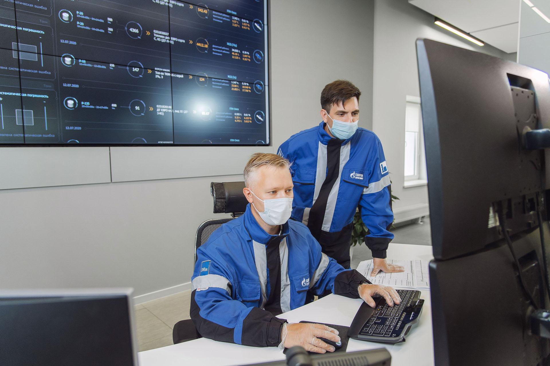 Омский НПЗ готовит специалистов с помощью компьютерных тренажеров