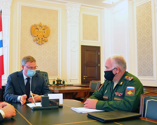 К Буркову пришел военный комиссар #Омск #Общество #Сегодня