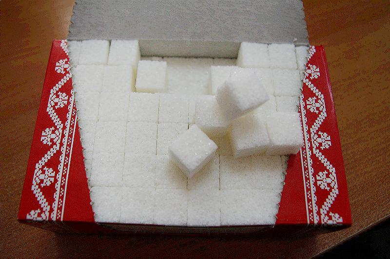 В Омске подорожали сахар и порошок