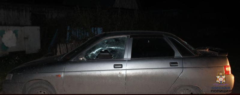 Злопамятный омич разбил машину соседа из-за старых обид #Омск #Общество #Сегодня