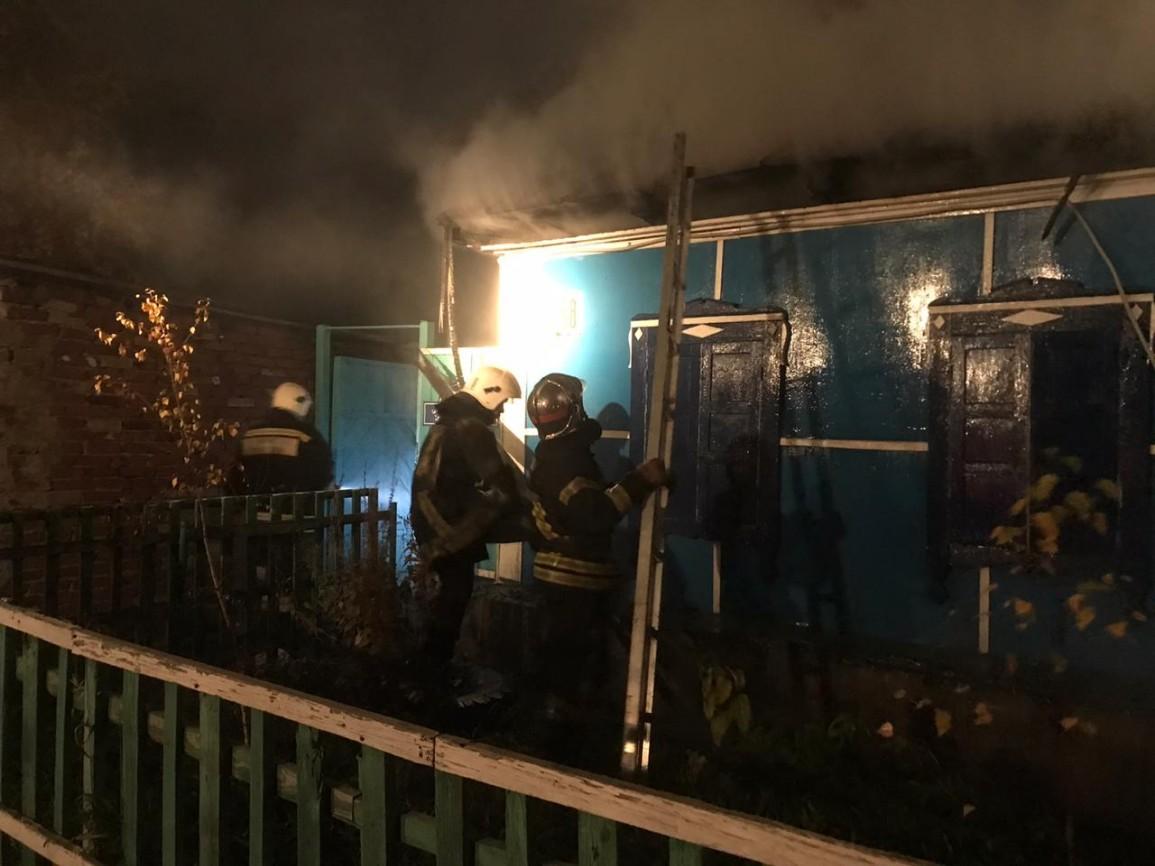 В Омске жилой дом выгорел из-за неисправностей электроники #Новости #Общество #Омск
