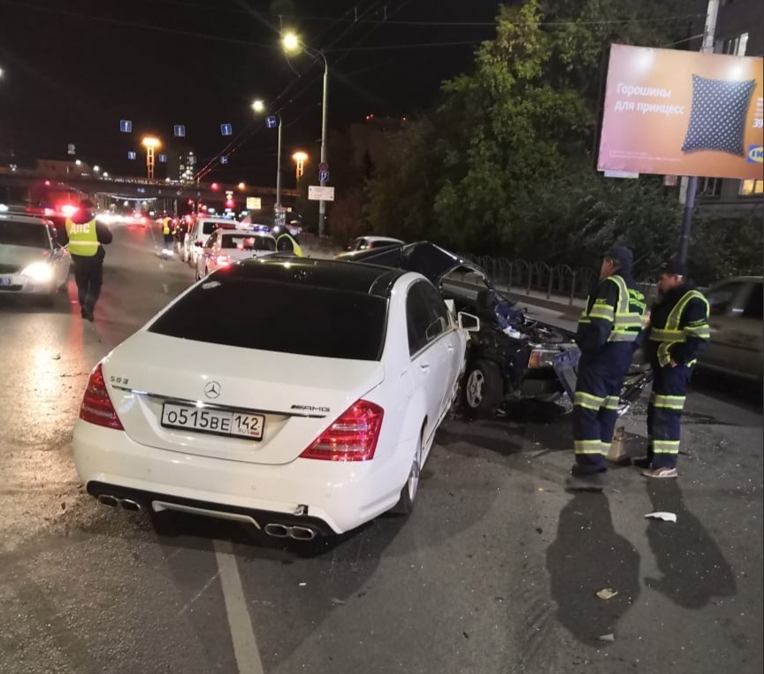 Омич погиб при столкновении «семерки» и Mercedes на встречке #Новости #Общество #Омск