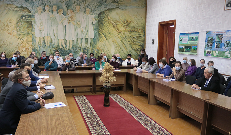 В Омском аграрном научном центре подвели итоги года и наградили лучших работников #Омск #Общество #Сегодня