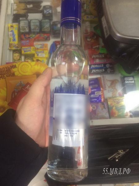Житель Омской области не дождался 10 часов для покупки водки и украл ее #Омск #Общество #Сегодня