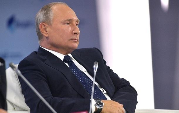 Путин утверждает, что лично просил отпустить Навального в Берлин