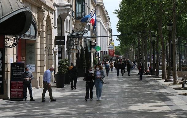 Во Франции подсчитали стоимость комендантского часа