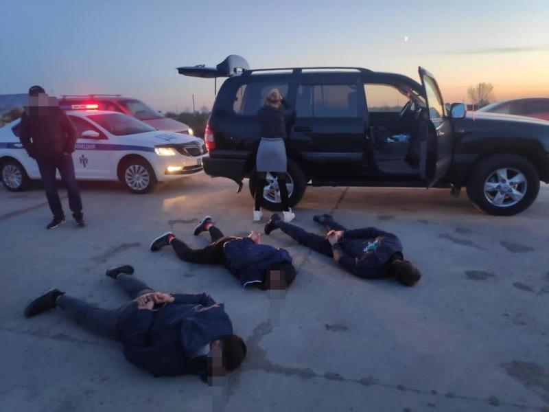 Трое омичей похитили жительницу Новосибирска и вымогали деньги у ее сожителя #Омск #Общество #Сегодня