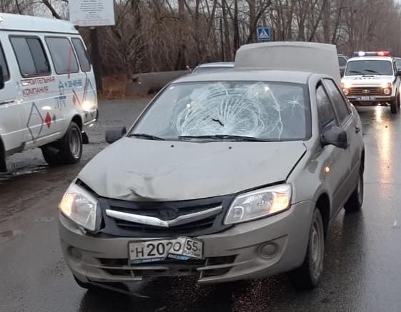 В Омске пешехода сбила одна машина, а потом переехала вторая #Новости #Общество #Омск