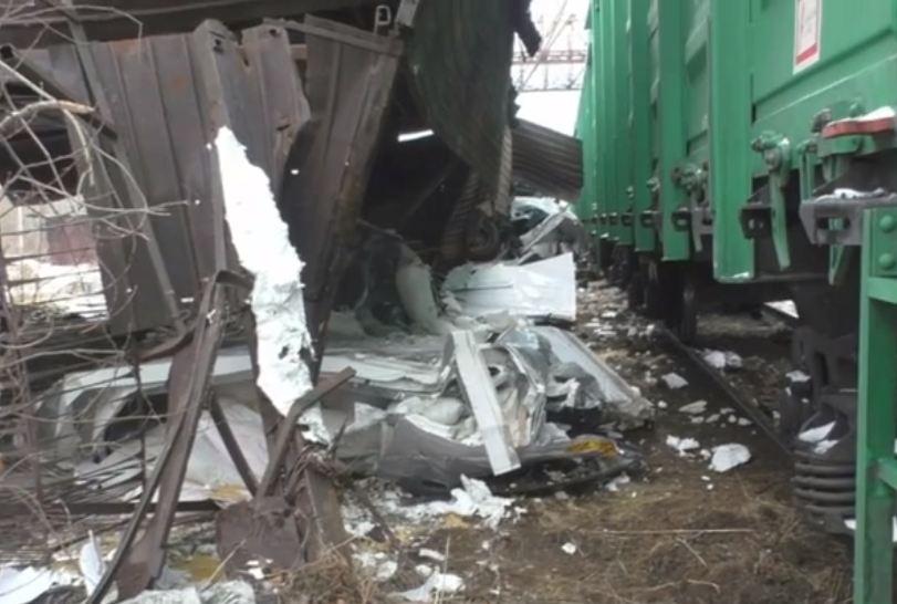 Появилось видео смертельного ДТП с грузовиком и поездом в Омске #Новости #Общество #Омск