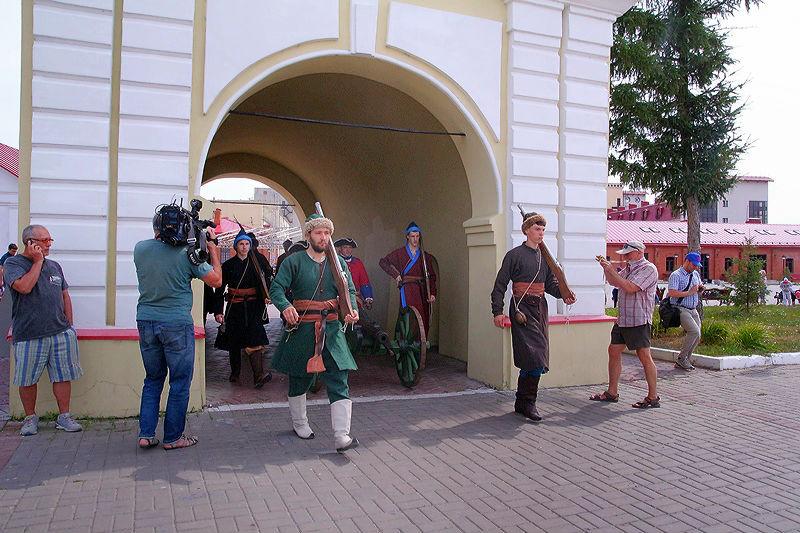 В «Омскую крепость» приглашают прийти в перчатках, чтобы надеть там кандалы #Новости #Общество #Омск