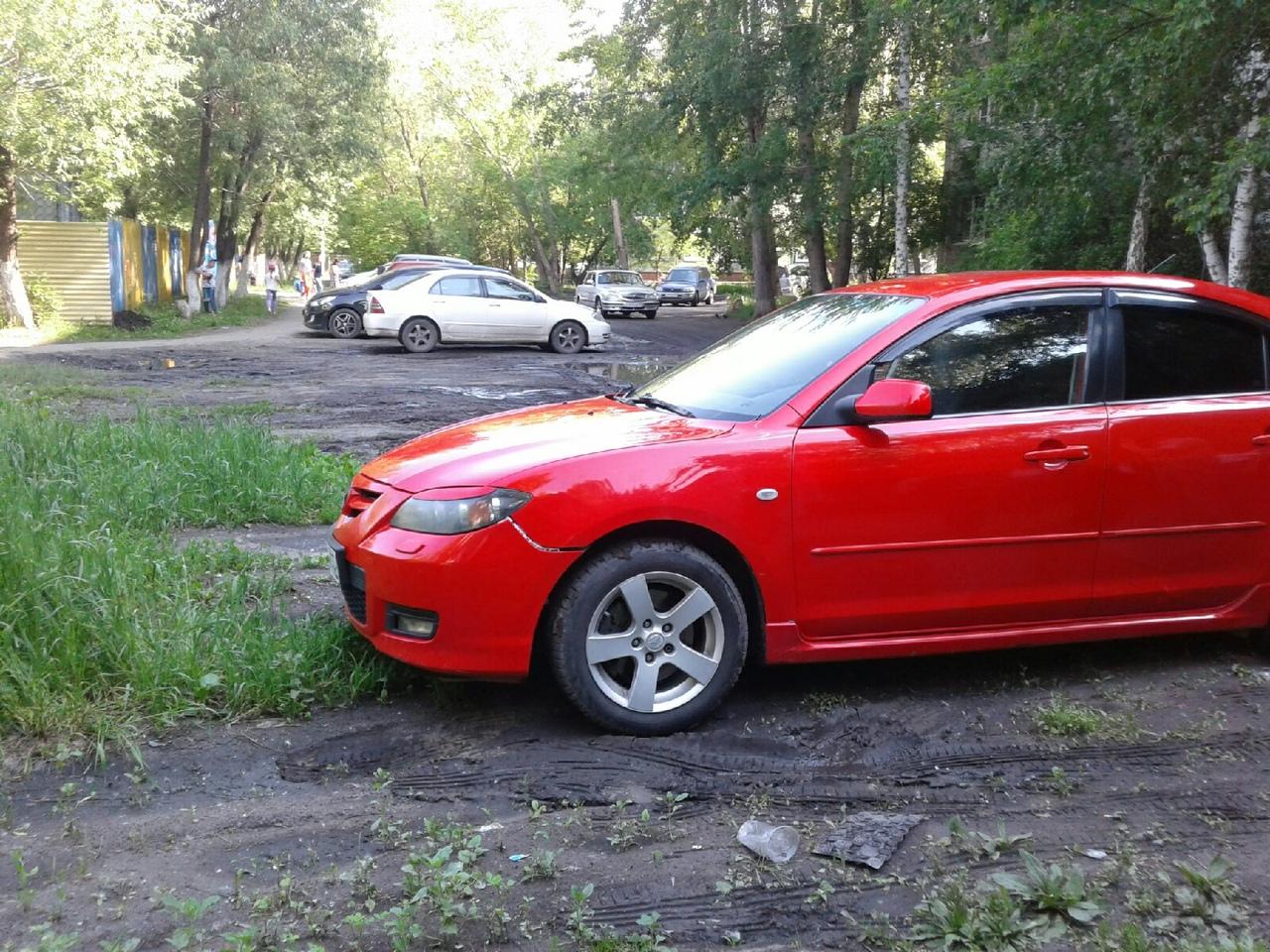 Почти 5 тысяч омичей оштрафовали за парковку на газоне #Омск #Общество #Сегодня