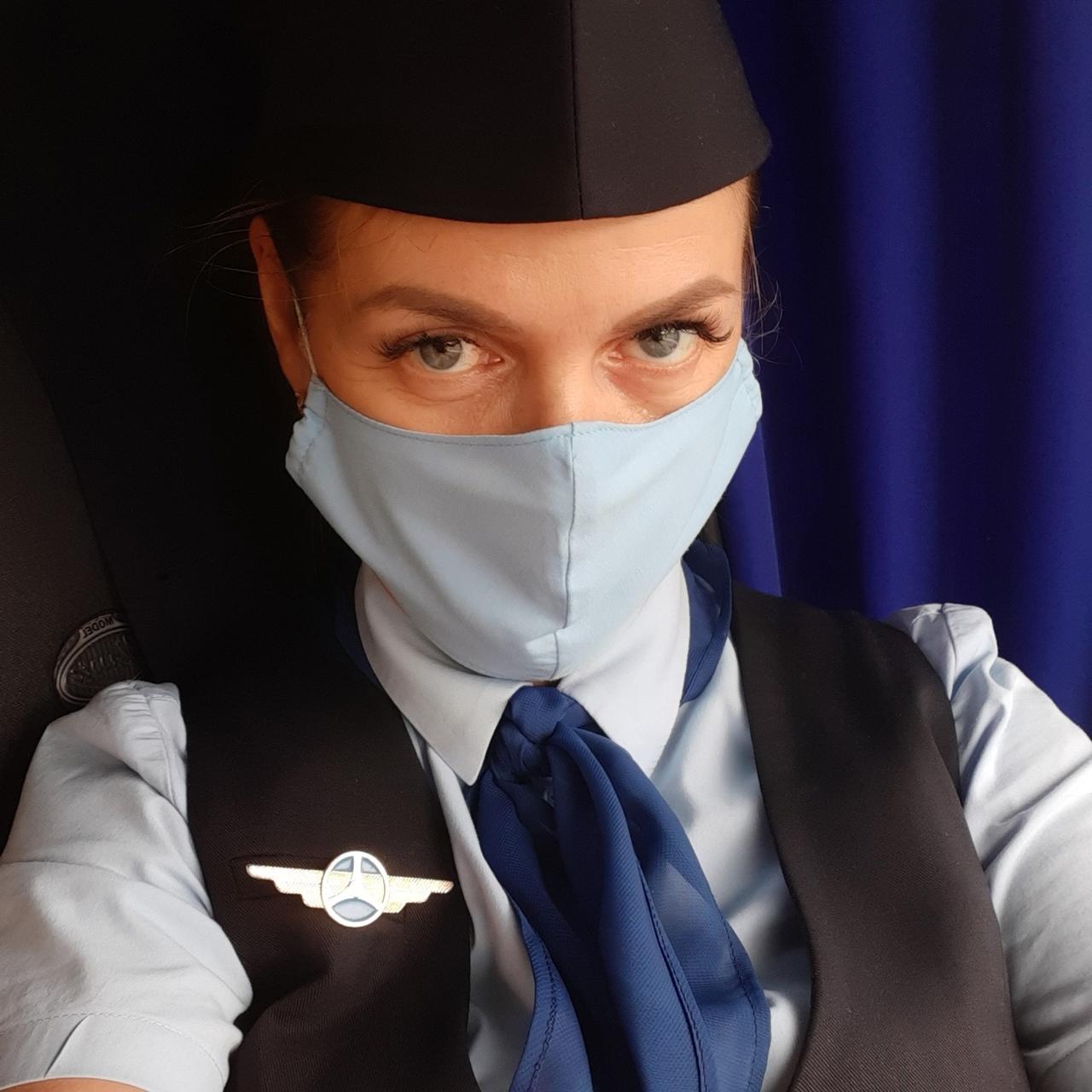 «Стюардессу» из омского автобуса убрали на маршрут для «провинившихся» #Новости #Общество #Омск