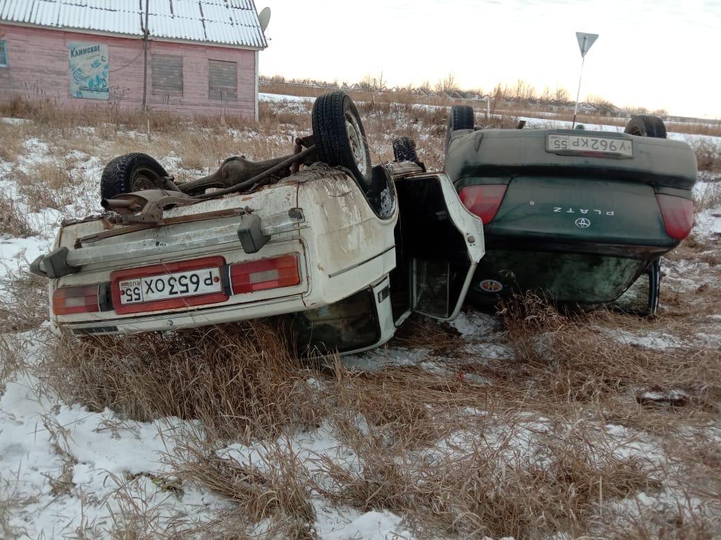 В ДТП с перевернувшимися машинами на омской трассе пострадали дети #Омск #Общество #Сегодня