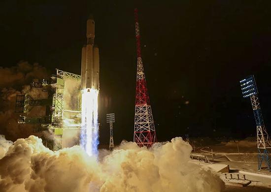 Бурков поздравил омичей с запуском ракеты «Ангара-А5» #Новости #Общество #Омск