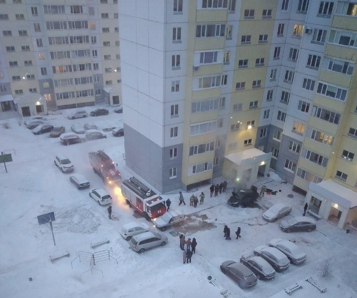 В Омске за день сгорело несколько машин, за ночь – несколько домов #Омск #Общество #Сегодня