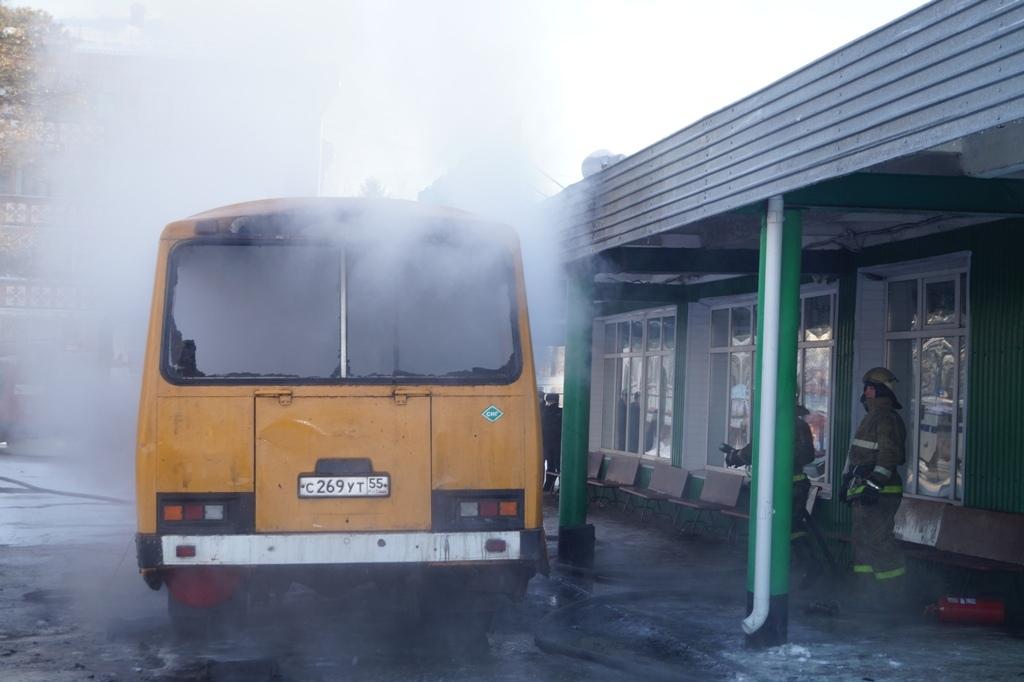 В Омской области перед отправкой в рейс загорелся автобус #Новости #Общество #Омск
