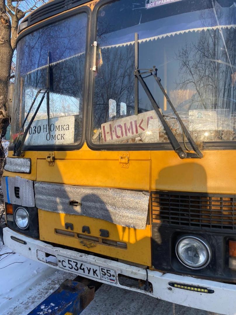 Автобус с неисправными тормозами вез 10 пассажиров из Нижней Омки в Омск #Новости #Общество #Омск