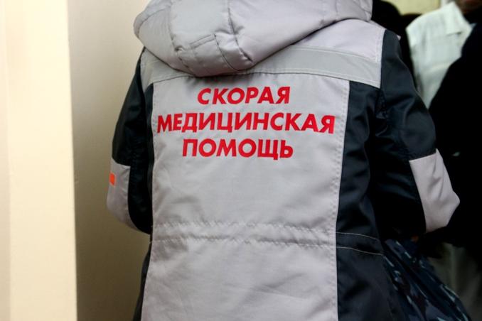 На парковке у «Красной звезды» водитель сбил 2-летнюю девочку #Омск #Общество #Сегодня