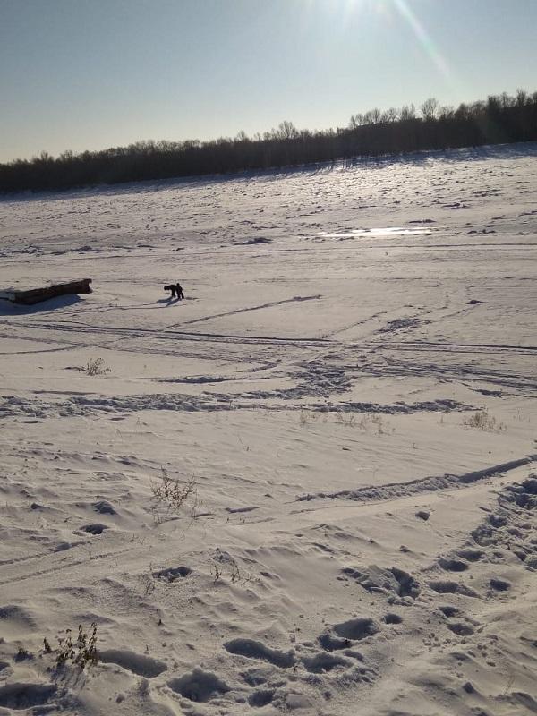 Женщина с ребенком, катаясь с горки у «Омской крепости», провалились под лед #Новости #Общество #Омск
