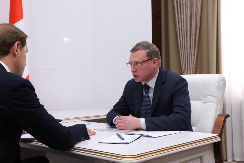 Бурков назвал зарплаты на крупных омских заводах