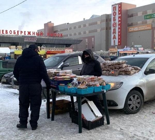 Рейд по стихийному рынку в Омске провалился: продавцы попрятались #Омск #Общество #Сегодня