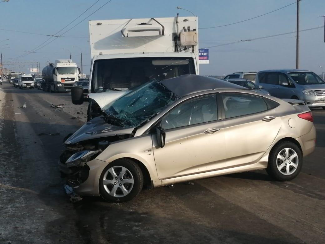 В жуткой аварии у «Арены Омск» погибла 22-летняя девушка-водитель #Омск #Общество #Сегодня
